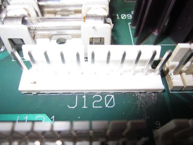Connecteur neuf ressoudé.